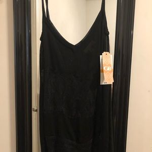 Gianni Bini shear lacy tank top size Small